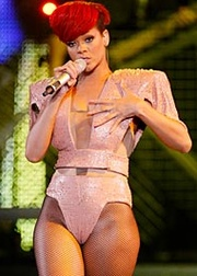 Rihanna Loud tour